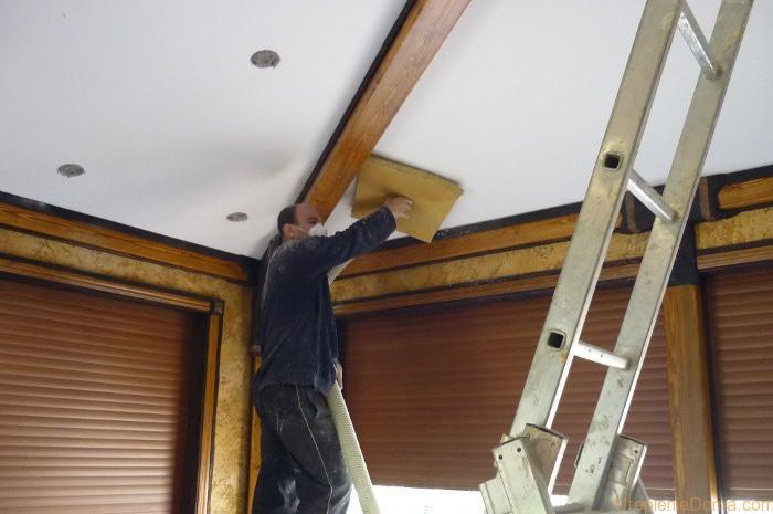 Утеплить потолок в доме