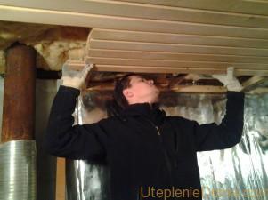 Как утеплить в бане потолок