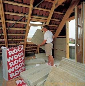 Утепляем потолок в деревянном доме пенопластом