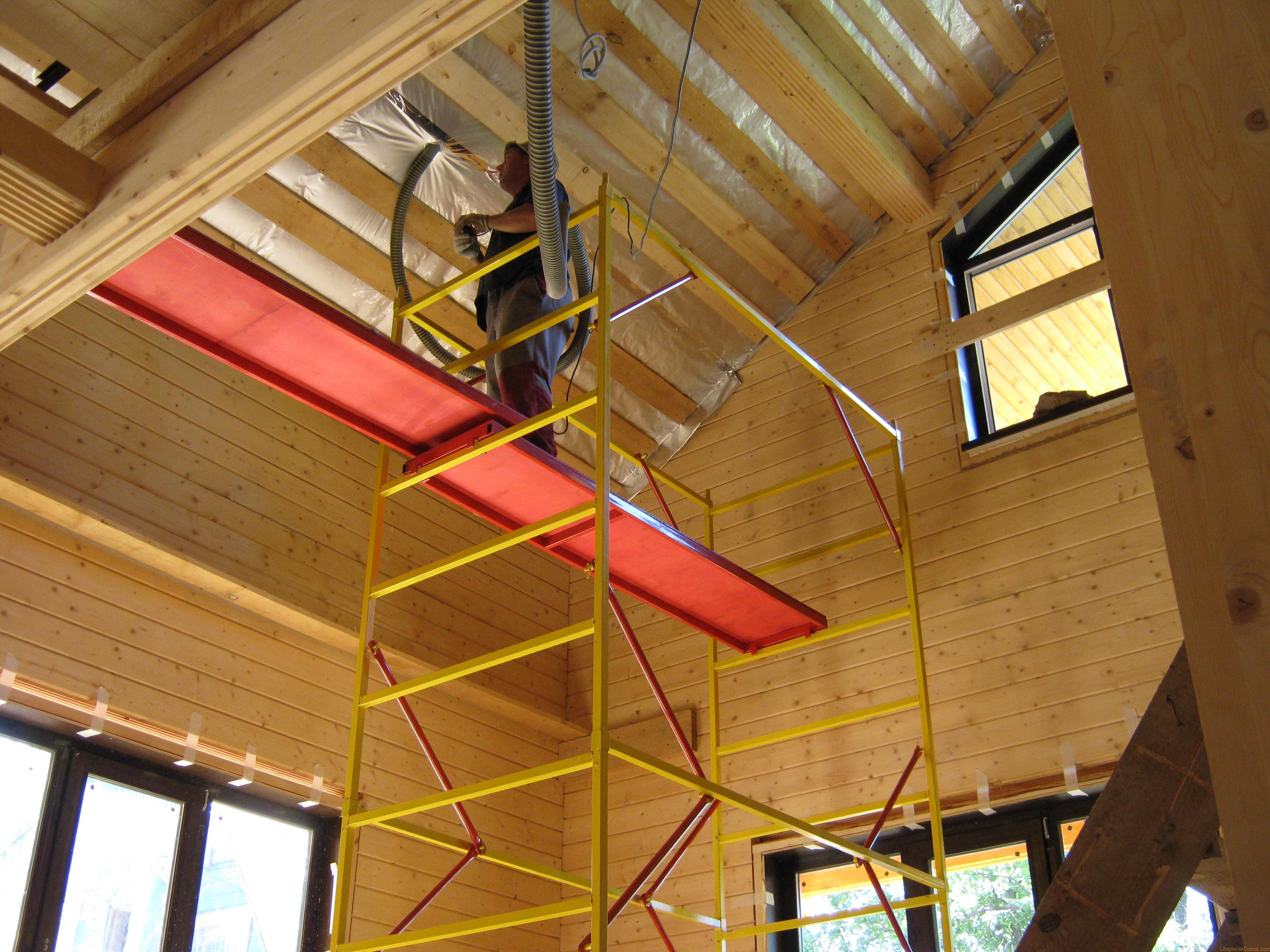 Утеплить крышу деревянного дома