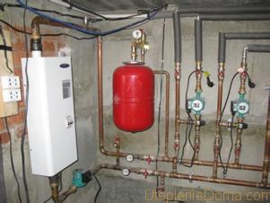 Где ставят расширительный бак в системе отопления