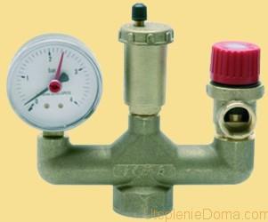 Срабатывает при повышении давления в системе отопления и расширительном баке