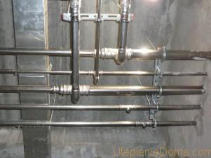 отопительные трубы в доме