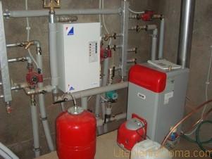 трубы отопления в подвале частного дома