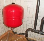 какое давление в расширительном бачке системы отопления